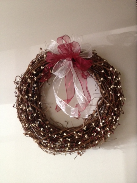 Wreath, Grapevine 18 inch, Wine and Cream Berries